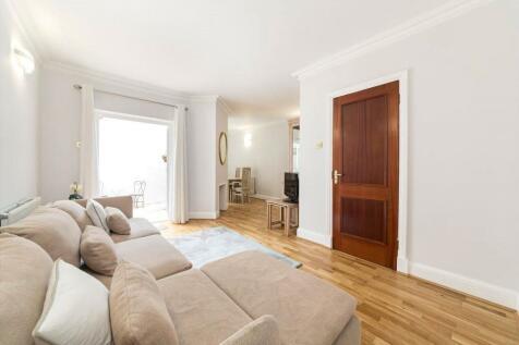 Slaidburn Street, Chelsea, London, SW10. 3 bedroom terraced house
