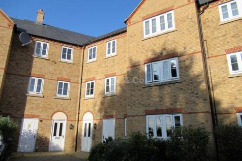 Sovereign Court, St Neots. 2 bedroom apartment