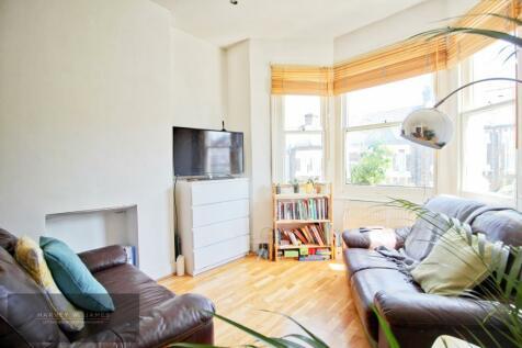 Leander Road, SW2. 2 bedroom flat