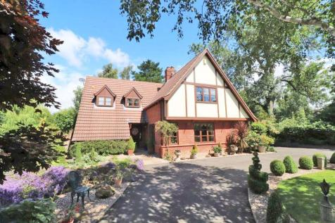 Greyton Lodge, Newbridge Lane, Covenham St Mary. 3 bedroom detached house