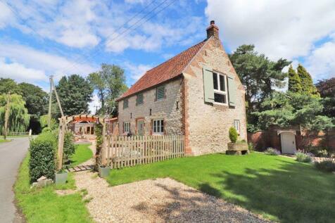 Hayloft Cottage, Vicarage Lane, Wootton. 2 bedroom cottage for sale