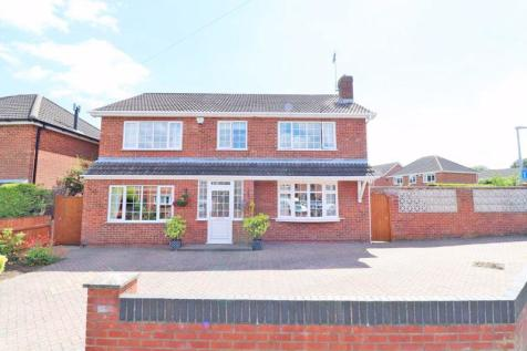 Turnberry Approach, Waltham. 4 bedroom detached house