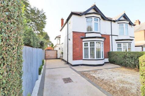 Park Avenue, Grimsby. 4 bedroom semi-detached house for sale
