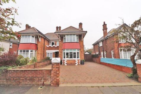 Cromwell Road, Cleethorpes. 3 bedroom semi-detached house for sale
