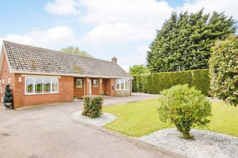 Orby Road, Addlethorpe, Skegness. 4 bedroom detached bungalow for sale