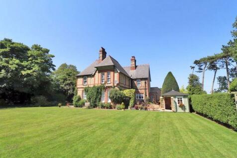 The Old Vicarage, Killingholme Road, Habrough. 5 bedroom detached house for sale