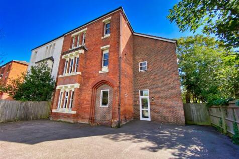 Bury Road, Gosport. 2 bedroom apartment
