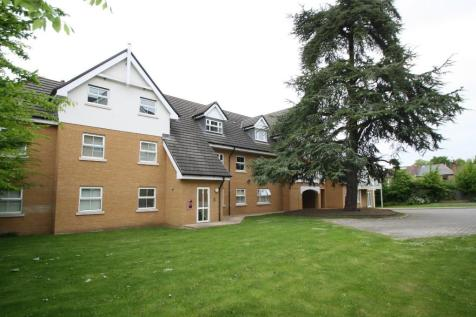 High Road, Buckhurst Hill, Essex, IG9. 2 bedroom apartment
