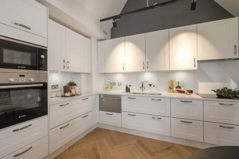 Leyton Road, Harpenden, AL5. 3 bedroom apartment for sale