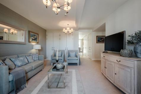 Hortsley Sutton Park Road Seaford BN25 1FA. 2 bedroom apartment for sale