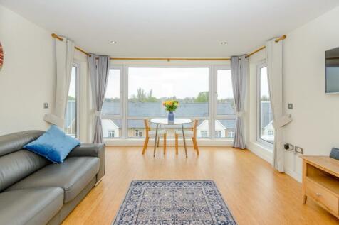 Melliss Avenue, Richmond. 2 bedroom flat