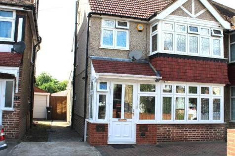 Almorah Road, Hounslow, Middlesex, TW5. 5 bedroom semi-detached house