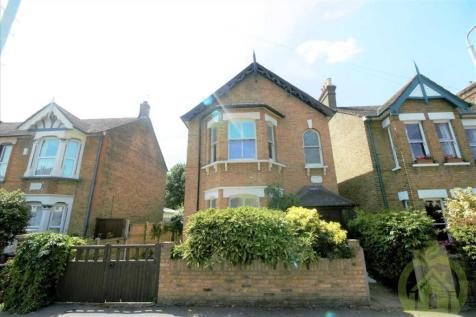 Detached Family Home, Romford. 5 bedroom detached house