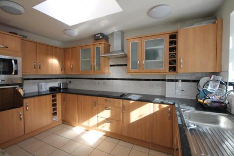 Leighton Road, Enfield. 1 bedroom house share