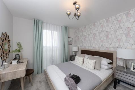 Walton Court Gardens Halfway Green Walton-On-Thames KT12 1FJ. 1 bedroom apartment for sale