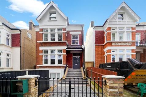 Knollys Road, Streatham, SW16. 3 bedroom apartment for sale