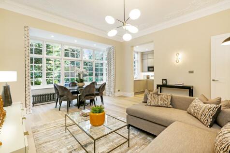 Bracknell Gardens, Hampstead. 2 bedroom flat