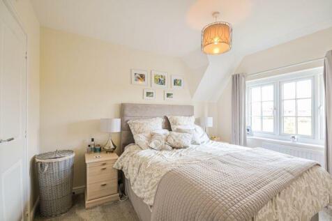 Sidney Street, London, E1. 3 bedroom terraced house