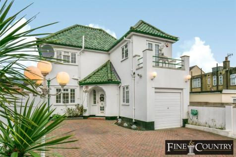 Shrubbery Gardens, Winchmore Hill, London. 5 bedroom detached house for sale