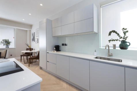 2-4 Mount Ephraim, Tunbridge Wells,  Kent,  TN4 9TF. 2 bedroom apartment