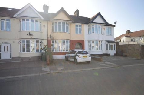 Meadway, Ilford. 4 bedroom terraced house