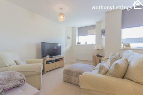 Skyline House, Swingate, Stevenage. 1 bedroom flat