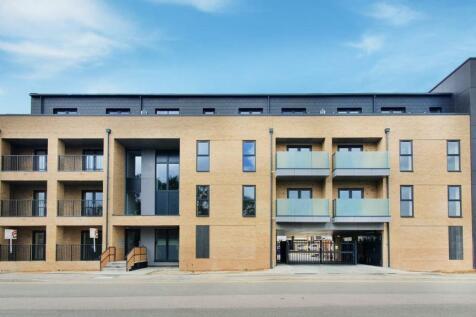 Wolsey Court, Waltham Cross. 2 bedroom flat