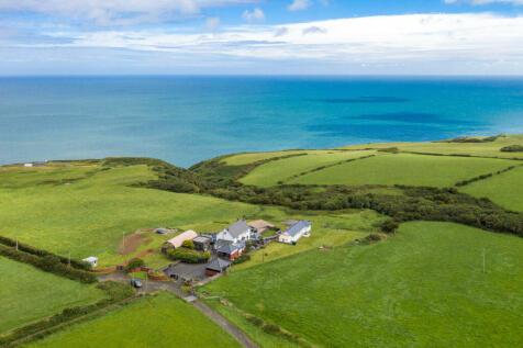 Nantmawr Farm, Mwnt, Ceredigion, SA43 1QQ. 8 bedroom detached house