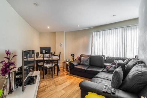 High Road, Ilford, Essex, IG1. 2 bedroom flat