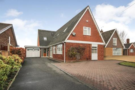 Abbotsford Drive, Dudley, West Midlands, DY1. 5 bedroom bungalow