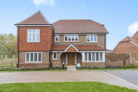 Highwood Village, Horsham, RH12. 5 bedroom detached house