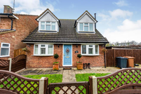 Huntingdon Road, Stevenage. 4 bedroom detached house for sale