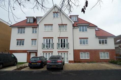 Bathurst Walk, Iver. 1 bedroom apartment