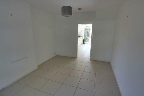 Keldgate, Beverley, HU17 8JA. 2 bedroom terraced house