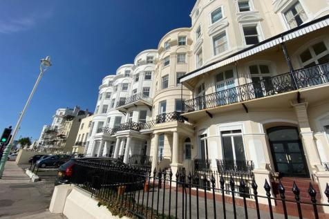 Marine Parade, Brighton. 3 bedroom apartment