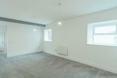 Eureka Place, Ebbw Vale, Gwent, Blaenau Gwent, NP23. 2 bedroom apartment