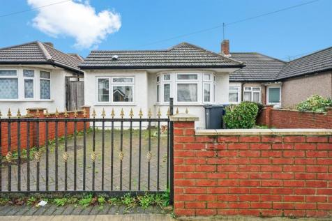 Allenby Road, Southall. UB1. 3 bedroom bungalow for sale