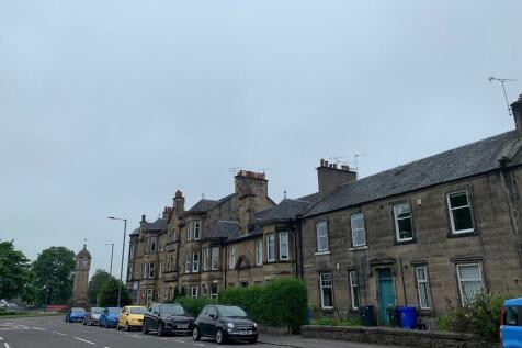 Union Street, Stirling Town, Stirling, FK8. 2 bedroom flat