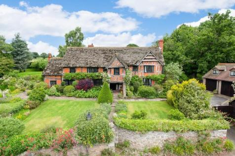 Almeley, Herefordshire - with annexe and garaging. 5 bedroom detached house for sale