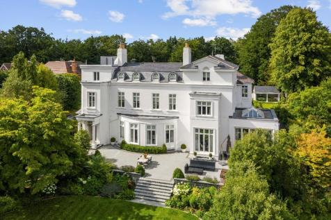 Queen's Hill, Ascot, Berkshire, SL5. 5 bedroom house for sale