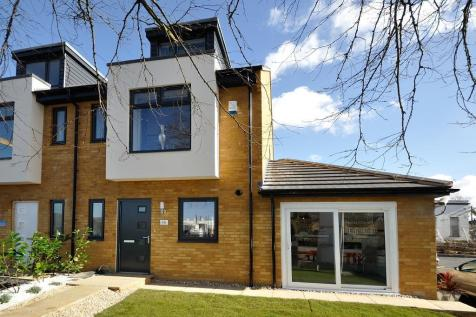 Stratton Road, Stratton St. Margaret, Swindon, SN1. 4 bedroom semi-detached house for sale