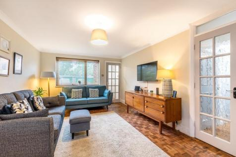 Oaklands Road, Bromley. 2 bedroom ground floor flat