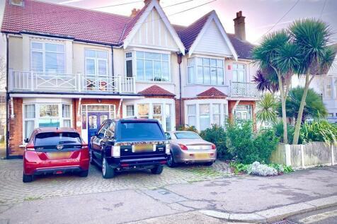 Crowstone Avenue, Westcliff-On-Sea, SS0 8HU. 4 bedroom semi-detached house for sale
