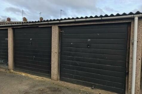 Garage, Strathmore Avenue, Luton, Bedfordshire, LU1. Garages