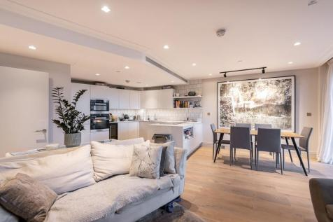 Queens Wharf, Crisp Road, Hammersmith, W6. 2 bedroom apartment for sale