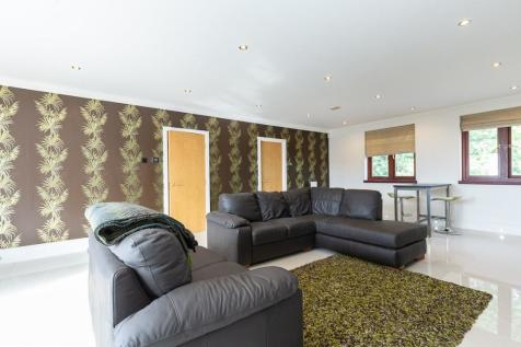 Chasewood Park, Sudbury Hill, Harrow, HA1. 3 bedroom apartment for sale