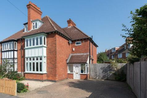 Tuffley Crescent, Gloucester, Gloucestershire, GL1. 5 bedroom semi-detached house for sale
