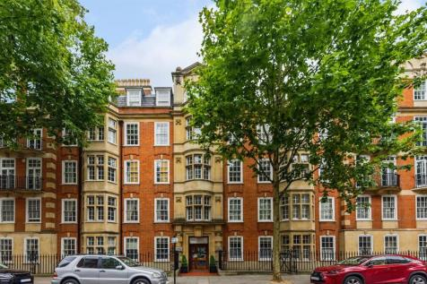 Coleherne Court, Old Brompton Road, London,SW5. 4 bedroom flat for sale