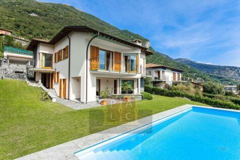 Italy. 4 bedroom villa for sale