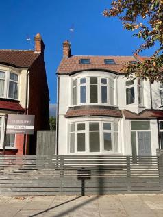 Woodhouse Road, London, N12. 4 bedroom block of apartments for sale